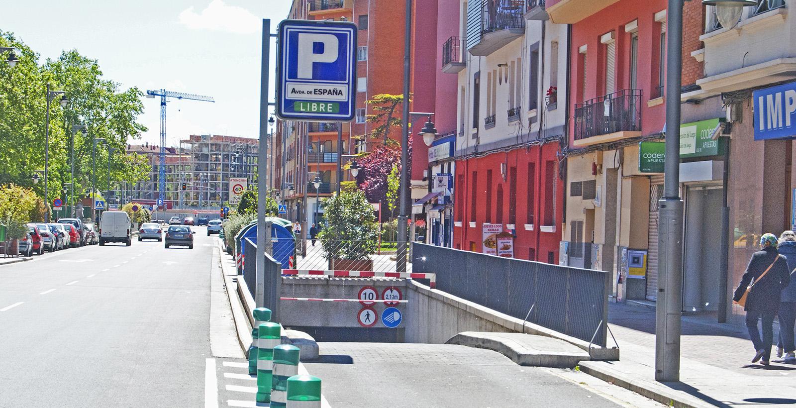 Entrada vehículos Parking Avenida de España